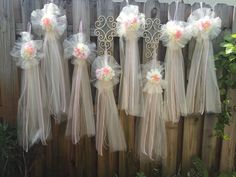 This beautiful Tulle pew bows, ARE ideal for your wedding. up your wedding ceremony! A breeze to install, these bow is a pleasant twist on your decoration. Wedding Pews, Wedding Doors, Daisy Wedding, Ivory Wedding, Wedding Bride, Wedding Door Wreaths, Bridal Shower Wreaths, Tulle Pew Bows, Tulle Flowers