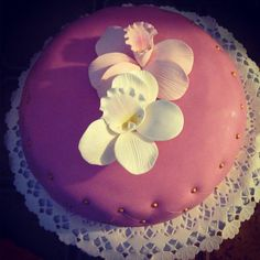 Purple cake with orchide