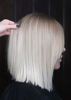 Amazing Blonde Bob Haircuts for Women to Sport in 2020 Bob Haircuts For Women, Long Bob Haircuts, Hairstyles Haircuts, Blonde Bob Haircut, Blonde Bob Cuts, Pregnant Wife, Hair Cuts, Long Hair Styles, Sport
