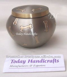 Round Dog Cremation Urn with Paw Prints $7~$15