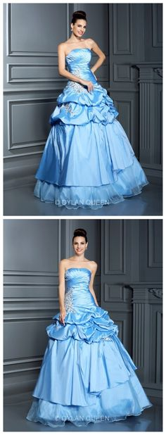 Wow~She is so beautiful.Is it right?The blue wedding dress.
