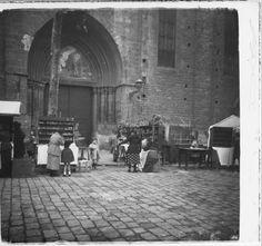 Fira de figures del Pessebre a la Plaça del Pi de Barcelona :: Fons fotogràfic Salvany (Biblioteca de Catalunya)
