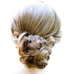Bridal Silver-Tone Hibiscus Flower Clear Austrian Crystal Hair Comb N02852-1 Ever Faith http://www.amazon.com/dp/B00IMQLS3M/ref=cm_sw_r_pi_dp_3wNJtb00Q3NNYF3J