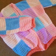 Knit Cardigan Pattern, Crochet Jacket, Crochet Cardigan, Crochet Designs, Knitting Designs, Step By Step Crochet, Crochet Fashion, Cute Crochet, Crochet Clothes