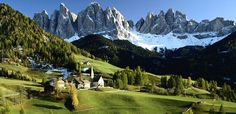 Veduta delle Dolomiti, Funes – Villnoss, Bolzano (Dolomites and Green Villnoss Valley) Italy Rafting, Alpine Hotel, Images Gif, Bing Images, India Tour, Hill Station, Landscape Wallpaper, Watercolor Landscape, Landscape Paintings
