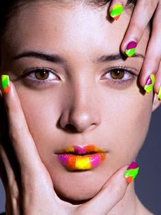 Neon nails and lips