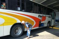 La Secretaría de Comunicaciones y Transportes en Michoacán, concluyó con éxito su campaña denominada #TuViajeSeguro, en la cual fueron distribuidos un total de 30 mil folletos informativos, con la finalidad ...