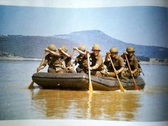 south african border war - working as one Military Life, Military History, West Africa, South Africa, Africa People, Military Branches, Brothers In Arms, Defence Force, African History