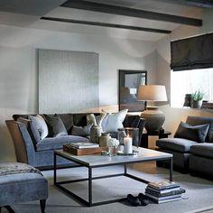 En smakebit fra en grå, tidløs, varm og klassisk stue. #inspirasjon #slettvoll #skreddersøm #grå #dorian #Padgram