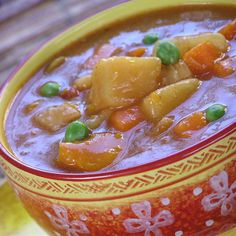 Sancocho, Puerto Rican Beef Stew, is a traditional dish that has many variations across Spain and Latin America but Puerto Rican sancocho must have sofrito! Puerto Rican Cuisine, Puerto Rican Dishes, Puerto Rican Recipes, Mexican Food Recipes, Ethnic Recipes, Cuban Cuisine, Pozole, Pan Dulce, Tamales