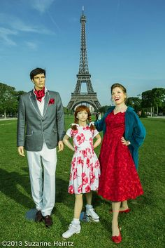 Single Woman's Holiday Snapshots With Fake Mannequin Family