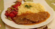 Bravčové plátky na karí 1 kg bravč stehno 2 cibuľa 5 PL parad šťava 1 KL kari… Czech Recipes, Russian Recipes, Ethnic Recipes, Snack Recipes, Cooking Recipes, Snacks, Curry, Goulash, Stew