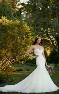 Essense of Australia|The Bridal Cottage|North Little Rock, AR