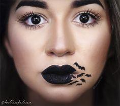 Maquiagem para  Halloween um tanto quanto diferente: batom preto com morcegos saindo da boca. Cool Halloween Makeup, Halloween Eyes, Goth Makeup, Scary Makeup, Cosplay Makeup, Costume Makeup, Maquillage Halloween Clown, Make Up Art, How To Make