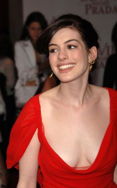 Celebrity Updates, Celebrity Crush, Beautiful Celebrities, Beautiful Actresses, Hollywood Actresses, Actors & Actresses, Anne Hathaway Catwoman, Anne Hattaway, Sublime Creature