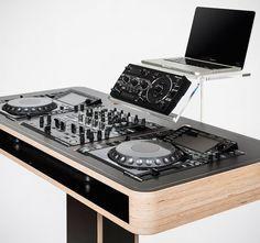 Fancy - Hoerboard Stereo T DJ Workstation 1