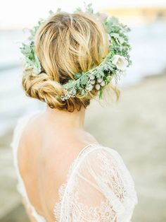 Boho Pins: Top 10 Pins of the Week from Pinterest – Boho Bridal Hair Hair by @victoriafarrmua Image by belle and beau photography  Floristry by Lucy Macnichol
