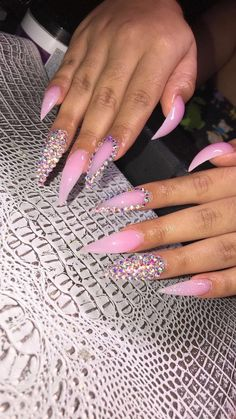 50 Glittering Acrylic Nails for Medium-Length Nails and Long Nails - The First-Hand Fashion News for Females Prom Nails, Aycrlic Nails, Coffin Nails, Glitter Nails, Oval Nails, Matte Nails, Nails News, Cardi B Nails, Long Stiletto Nails