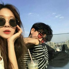 Find images and videos about love, couple and korean on We Heart It - the app to get lost in what you love. Korean Best Friends, Boy And Girl Best Friends, Ulzzang Korea, Korean Ulzzang, Style Ulzzang, Ulzzang Girl, Korean Couple, Best Couple, Cute Couples Goals