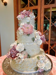 sugar flowers and ruffles wedding cakes wwwcheesecakeetcbiz wedding cakes charlotte nc