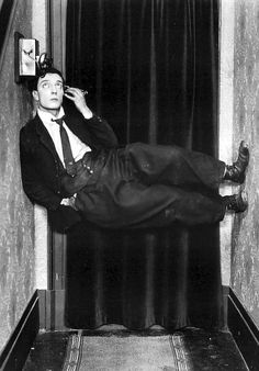 Buster Keaton in 'Sherlock, Jr.', directed by Buster Keaton Silent Film Stars, Movie Stars, Vintage Hollywood, Classic Hollywood, Buster Keaton, We Are The World, Old Movies, Classic Movies, Famous Faces