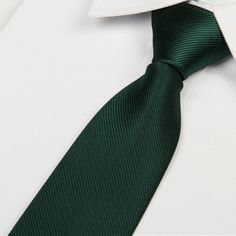 Cheap corbata slim, Buy Quality skinny necktie directly from China tie 8 cm Suppliers: 2016 men's blackish green color tie 8 cm skinny necktie Casual gentlemen corbatas slim designers fashion formal party lote Fashion Casual, Men Fashion, Fashion Black, Style Fashion, Gq Mens Style, Slim Tie, Versace Jeans Couture, Business Formal, Men Accessories