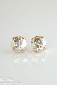 Swarovski champagne crystal stud earrings | swarovski golden shadow | champagne wedding | gold wedding | www.endorajewellery.etsy.com