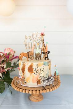 Animal Themed Birthday Party, Animal Birthday Cakes, Birthday Cake Girls, First Birthday Cakes, Birthday Parties, Party Animal Theme, 2nd Birthday Cake Girl, Girl Birthday Party Themes, Animal Party Food