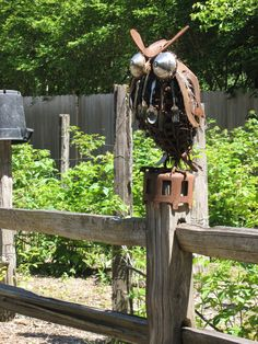 Owl welded from rusty parts