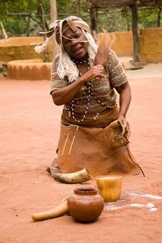 Tswana people are Niger-Congo or Bantu-speaking people including all the Sotho-Tswana clans residing either in Botswana, Lesotho or South A. South African Tribes, Cultural Dance, Game Lodge, 14th Century, Continents, Aesthetic Pictures, African Fashion, Culture, Witch Doctor