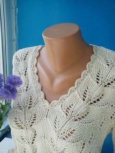 Free Knitting Patterns - Pullover with Leaf Pattern Lace Knitting Patterns, Knitting Stitches, Knitting Designs, Free Knitting, Knitting Projects, Crochet Pullover Pattern, Knitting For Charity, Quick Knits, Lace Scarf