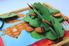 Handmade by mom: Очередная готовая развивающая книжечка, на это раз для девочки Катюши!!! Diy Quiet Book, Quiet Books, Sewing For Kids, Baby Sewing, Handmade Baby, Handmade Toys, Quite Book Patterns, Dolls House Figures, Silent Book