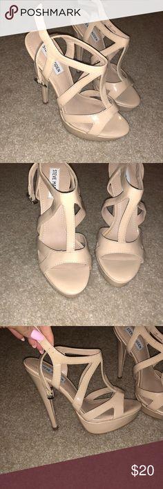 NEW!! Steve Madden pumps 7.5 Never worn Steve Madden patent pumps. Comfy, just not my size Shoes Heels