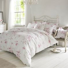 This Holly Willoughby Olivia Raspberry King Size Duvet Cover features a delicate watercolour style floral design of roses and butterflies in a soft raspberry pink tone. Free UK delivery available. Unique Duvet Covers, King Size Duvet Covers, Double Duvet Covers, Luxury Duvet Covers, Duvet Cover Sets, Floral Bedding, Pink Bedding, Luxury Bedding, Bedding Sets