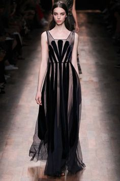 All the runway looks from Valentino: Paris Ready-to-Wear Spring/Summer 2015
