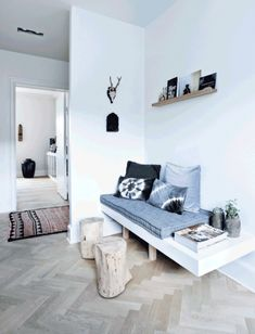 Quiet Copenhagen Apartment in classic Nordic Style - Beautiful, classic Nordic modern style today in the Copenhagen apartment of Camilla and Jan, with a . Interior Exterior, Interior Architecture, Deco Ethnic Chic, Welcome To My House, Corner House, Kitchen Corner, Cosy Corner, Living Spaces, Living Room