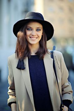 NYC Street Style Fashion | Sexy blue eye girl with a hat | Keep smiling beauty | #Thejewelryhut