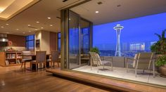 #GreatSpaces - Top 10 #Urban Properties With the Best Views #GregoryCarmichael #RickSundberg #Seattle / Listed for $13,800,000 / Image Credit: Aaron Leitz