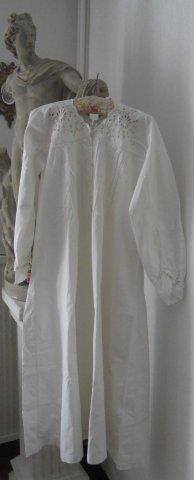 ANTIQUE FRENCH LINEN NIGHTGOWN LINEN CHEMISE EMBROIDERY MONOGRAM