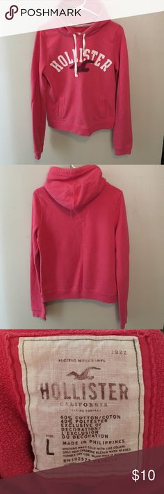 Hollister Hoodie 🎀 Super cozy and soft! 💕 Bundle only please :) Hollister Tops Sweatshirts & Hoodies