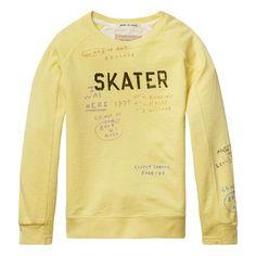 Scotch Shrunk Crew neck sweat with punky artworks bij Ko&Flo 16410240514 Scotch Shrunk, Scotch Soda, Varsity Sweater, Couture Outfits, Boys Sweaters, Summer Boy, Winter Wear, Graphic Sweatshirt, T Shirt