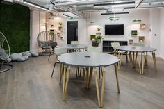 An office is something more than just a workplace. Modular Table, Cantilever Chair, Soft Flooring, Table Haute, Corporate Interiors, Contemporary Office, Hard Floor, Module, Small Office