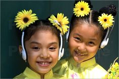 Vietnamese Beauties, Sunny Smiles  Google Image Result for http://img.posterlounge.de/images/wbig/antony-giblin-smiling-faces-of-young-vietnamese-girls-93084.jpg