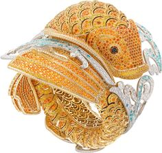 High Jewelry Art: Van Cleef and Arpels Carpe Koï Watch Bracelet - The Van Cleef & Arpels Carpe Koi watch bracelet has carefully crafted precious gems, and took - Insect Jewelry, Gems Jewelry, Animal Jewelry, High Jewelry, Jewelry Art, Fashion Jewelry, Jewelry Design, Animal Rings, Jewelry Drawing