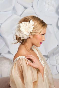 Wedding hairstyle with flower - My wedding ideas
