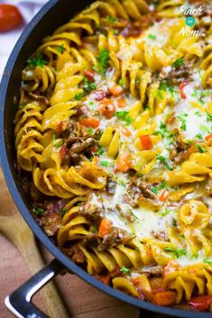 We love a good Pasta Bake. This Syn Free Pasta Bolognese Bake ticks all the boxes when it comes to Slimming World pasta bakes! Slimming World Lunch Ideas, Slimming World Pasta, Slimming World Dinners, Slimming World Recipes, Slimming Eats, Pasta Recipes, Cooking Recipes, Healthy Recipes, Free Recipes
