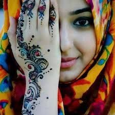 The most stunning henna tattoos in history. These epic henna tattoos and designs are everything you've ever wanted to know about the art of henna. Henna Tattoo Designs, Henna Tattoos, Henna Tattoo Bilder, Mehndi Tattoo, Diy Tattoo, Pakistani Mehndi Designs, Eid Mehndi Designs, Latest Mehndi Designs, Tattoo Fails