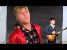 The Drums - Me And The Moon...this video makes me laugh so hard...can't wait to see them tomorrow!!!!!!!