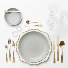 Anna Weatherley Chargers + Heath Ceramics in Mist + Chateau Flatware in Champagne Gold + Czech Crystal/Coupe Trios + Antique Crystal Salt Cellars | Casa de Perrin Design Presentation