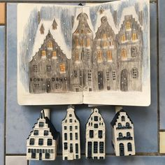 """Шляпа Ван Гога on Instagram: """"More houses under snow, as an exercise. Those ceramic bottles are based on real houses in Amsterdam, inside is a Bols liquor. You get them…"""" Ликер, Снег, Упражнение, Графика, Керамика, Painting"""